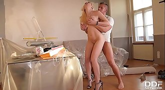 Handyman Bangs his Sexy blonde Milf client in her Ass