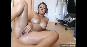 smoking hot babe with tight pussy and amazing tits squirts on iive cam at collegecamz.com